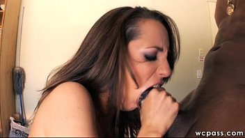 Creampie Gangbang pt2 Amateur Hotwife PUSSY DESTROYED by BBC & DRINKS CUM!